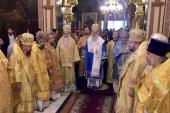 Гости из Поместных Православных Церквей совершили воскресные богослужения в храмах Москвы