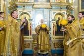 В день памяти святого благоверного князя Александра Невского Патриарший экзарх всея Беларуси совершил Литургию в Александро-Невском храме города Минска