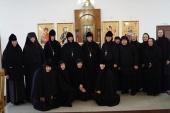 Комиссия Синодального отдела по монастырям и монашеству посетила подворье Никольского Черноостровского монастыря в Калуге