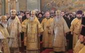 В праздник Собора Пресвятой Богородицы Патриарший наместник Московской епархии совершил Литургию в Тихвинском храме Коломенского кремля