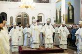 В день памяти 20 000 мучеников Никомидийских архипастыри Белорусского экзархата совершили Литургию в Жировичском монастыре