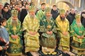 Блаженнейший митрополит Киевский Украины Онуфрий возглавил Литургию в Введенском монастыре г. Черновцы
