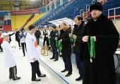 Митрополит Хабаровский Владимир вручил памятные награды воспитанникам детских домов