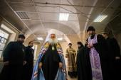 В день памяти священномученика Ермогена состоялось первое богослужение в воссоздаваемом Николо-Гостинодворском храме Казани