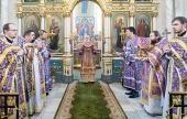 В Неделю Крестопоклонную Патриарший экзарх всея Беларуси совершил Литургию в Свято-Духовом кафедральном соборе Минска