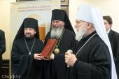 Патриарший экзарх всея Беларуси посетил книжную выставку в Минской духовной академии