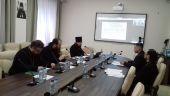 Учебный комитет провел обучающий вебинар по организации и введению курсов повышения квалификации священнослужителей в епархиях