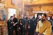 В Светлый четверг викарий Петропавловской епархии совершил Литургию в храме ИК-6 города Елизово