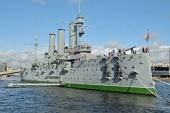 Впервые за 100 лет на крейсере «Аврора» совершена Божественная литургия