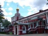 В Неделю апостола Фомы Патриарший наместник Московской епархии возглавил Литургию в Новодевичьем монастыре