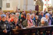 В день Радоницы глава Казахстанского митрополичьего округа совершил пасхальное поминовение усопших в Вознесенском соборе Алма-Аты и литию у гробницы митрополита Иосифа (Чернова)