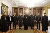Митрополит Кишиневский Владимир вручил церковные награды организаторам гуманитарных караванов в Республике Молдова