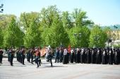 В канун Дня Победы Святейший Патриарх Кирилл возложил венок к могиле Неизвестного солдата у Кремлевской стены