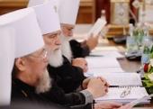 Священный Синод обсудил документ Межсоборного присутствия «Акафист в молитвенной жизни Церкви»