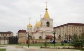 В Михаило-Архангельском храме Грозного, подвергшемся накануне вооруженному нападению, архиепископ Махачкалинский и Грозненский Варлаам совершил Литургию