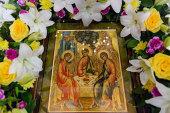 В праздник Троицы глава Казахстанского митрополичьего округа совершил Литургию в Вознесенском соборе Алма-Аты