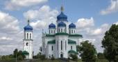 В день Святого Духа Блаженнейший митрополит Онуфрий возглавил Литургию в Троицком соборе на Троещине в Киеве