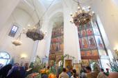 В праздник Троицы в Болхове отметили 350-летие главного собора Троицкого женского монастыря