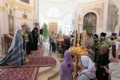 В день Святого Духа митрополит Крутицкий Ювеналий совершил Литургию в храме подмосковного села Шкинь