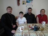 В канун Международного дня защиты детей представители Межрелигиозного совета Калмыкии посетили детей из неполных семей