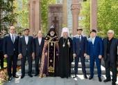 Глава Казахстанского митрополичьего округа принял участие в церемонии открытия армянского памятного креста в Астане