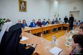 Глава Новгородской митрополии рассказал о русском монашестве учащимся из Германии