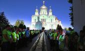 Вечерним богослужением, которое возглавил управляющий делами Московской Патриархии, начались престольные торжества в Серафимо-Дивеевском монастыре