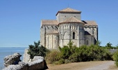 Православное богослужение будет совершено в древнем французском храме святой Радегунды