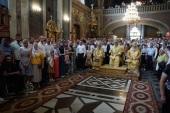 Блаженнейший митрополит Онуфрий возглавил Литургию в Свято-Духовом кафедральном соборе Черновцов