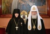 Предстоятель Русской Церкви принял настоятельницу Успенского Пюхтицкого ставропигиального монастыря