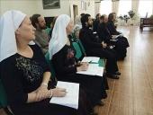Представители шести федеральных округов прошли стажировку по социальному служению в Екатеринбурге