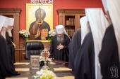 Синод Украинской Православной Церкви призвал Верховную Раду не делить верующих украинцев на своих и чужих