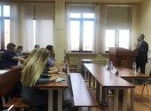 Председатель Синодального отдела по взаимоотношениям Церкви с обществом и СМИ провел встречу со студентами МГУ