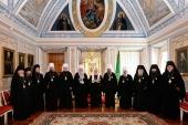 Святейший Патриарх Кирилл вручил награды архиереям, отмечающим памятные даты