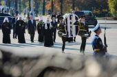 Предстоятель Русской Церкви возложил венок к Монументу Победы в Минске