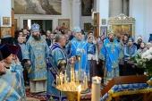 Митрополит Астанайский Александр возглавил торжества по случаю престольного праздника храма Казанской иконы Божией Матери в Алма-Ате