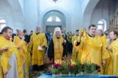 Митрополит Астанайский Александр совершил Литургию в Иверском храме поселка Боралдай в Алма-Ате и почтил память всех в годы гонений невинно убиенных