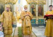 В Неделю 24-ю по Пятидесятнице Патриарший экзарх всея Беларуси возглавил Литургию в Свято-Духовом кафедральном соборе Минска