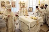 Патриарший наместник Московской епархии освятил храм Рождества Пресвятой Богородицы в подмосковной деревне Никольское