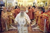 Митрополит Санкт-Петербургский Варсонофий освятил храм Воскресения Христова в Новодевичьем монастыре Северной столицы