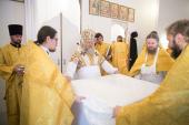 Глава Ханты-Мансийской митрополии освятил Свято-Ксениевский храм в поселке Зайцева Речка ХМАО