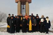 Члены комиссии Казахстанского митрополичьего округа по канонизации святых совершили заупокойную молитву на месте расстрела политзаключенных и репрессированных в Алма-Атинской области
