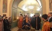 В день памяти вмц. Екатерины председатель ОВЦС совершил Литургию на московском Подворье Православной Церкви в Америке