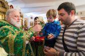 Патриарший экзарх всея Беларуси возглавил престольный праздник в храме праведного Иоанна Кронштадтского города Минска