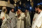 Клирики Русской духовной миссии в Иерусалиме совершили Литургию в Вифлеемской пещере Рождества Христова