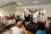 В праздник Рождества Христова Святейший Патриарх Кирилл посетил Научно-исследовательский институт детской онкологии и гематологии в Москве