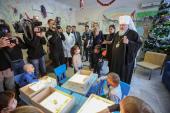Глава Ставропольской митрополии посетил отделение гематологии и детской онкологии краевой больницы