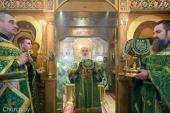 В день памяти преподобного Серафима Саровского Патриарший экзарх всея Беларуси совершил Литургию в Серафимовском приходе Минска