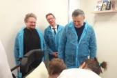 Правящий архиерей Выборгской епархии и губернатор Ленобласти посетили детский хоспис при Архангело-Михайловском храме в Токсово