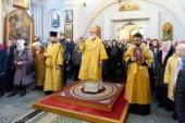 В Неделю 37-ю по Пятидесятнице Патриарший экзарх всея Беларуси совершил Литургию в Свято-Духовом кафедральном соборе города Минска